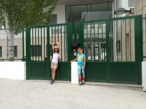 Sky and Sav outside the School, Conde de Tendilla.  It opens Sept 10!