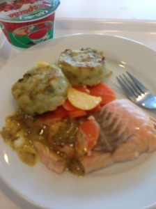 Salmon with dill sauce, carrots and a potato brocoli patties. Yum!