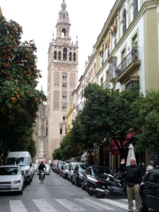 And another, sorry I couldn't resist I have so many pictures of Sevilla. Note my Dad in the lower right hand corner!