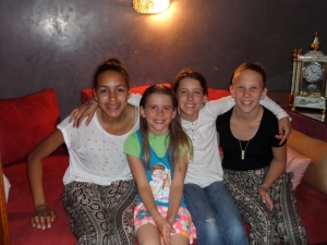 New buddies. Jessica, Savannah, Sky and Catherine.